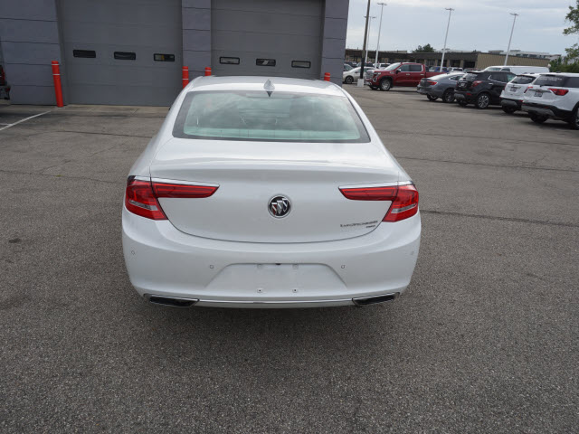 Certified Pre-Owned 2019 Buick LaCrosse Essence