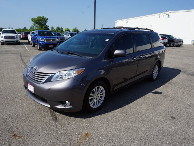 Pre-Owned 2015 Toyota Sienna LTD